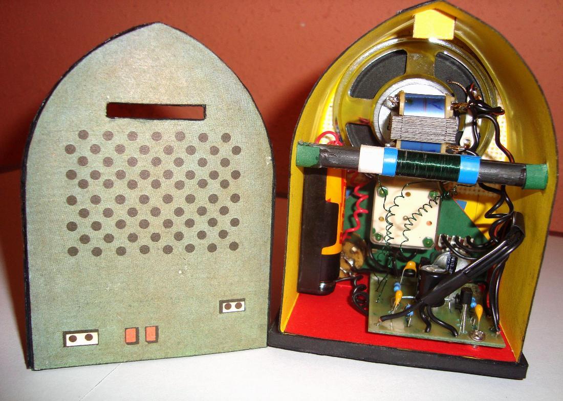 Radiopřijímač Máj